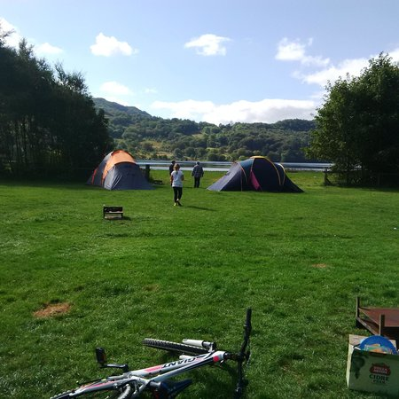 Llyn Gwynant Campsite: Views from the left field towards the lake