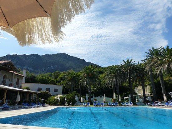 Hotel Maga Circe: PANORAMA SOTTO L'OMBRELLONE