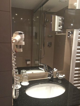 Hotel Am Parkring: Bathroom