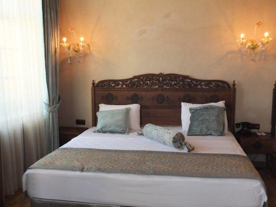 Izala Hotel