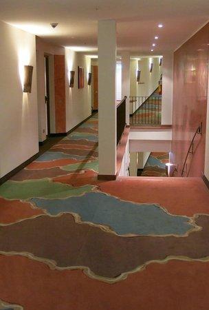 Lefay Resort & Spa Lago di Garda: Gangway colors