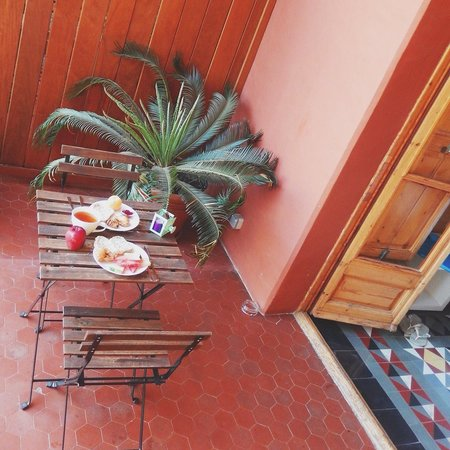 Quadrat d'Or: Breakfast on balcony