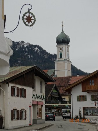 Oberammergauer Kirche: На фоне гор