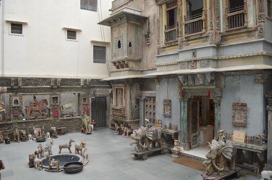 Ganesh Handicraft Emporium