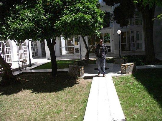 Hotel San Gil: Courtyard