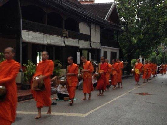 Cafe de Laos Inn : sulla strada
