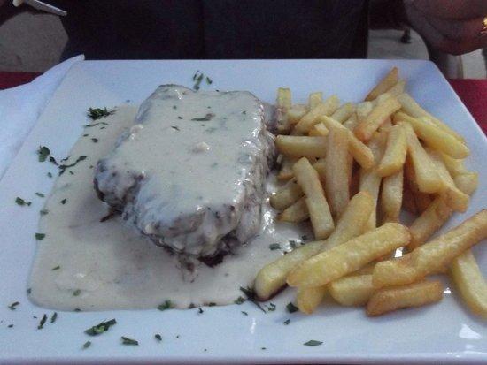 Broncemar II: XL fillet steak and Roquefort sauce
