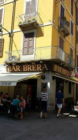 Bar foto di quartiere brera milano tripadvisor for Brera district