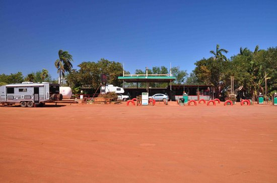 Sandfire Roadhouse and Caravan Park : roadhouse front