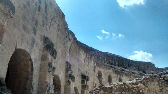 El Jem Amphitheatre : El Djem