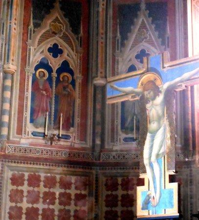 Chiesa di Sant'Andrea : crocefisso giottesco