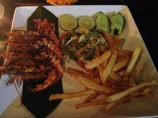 Warung Enak : grilled prawns