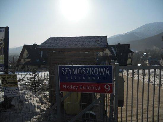 Szymoszkowa Residence: Вход на территорию.