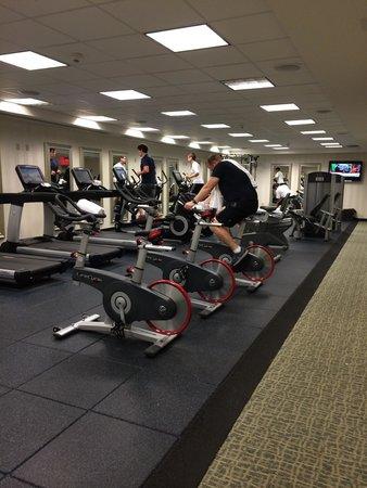 Renaissance Providence Downtown Hotel: Health Club quality Gym!!
