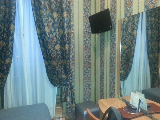 Lirico Hotel: Room