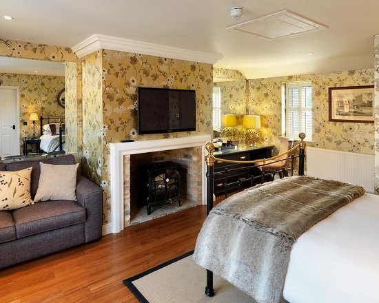 The Crown Inn: Our Burghley Room Opens Onto Its Own Private Garden