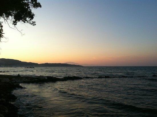 Mimoza Beach Bar : Sunset
