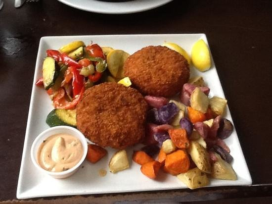 Harry's Oyster Bar & Seafood: Crab Cakes so good