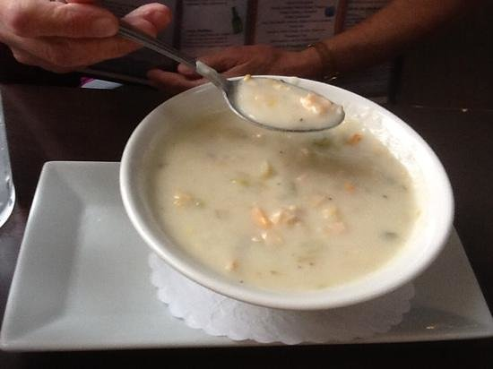 Harry's Oyster Bar & Seafood: Clam Chowder