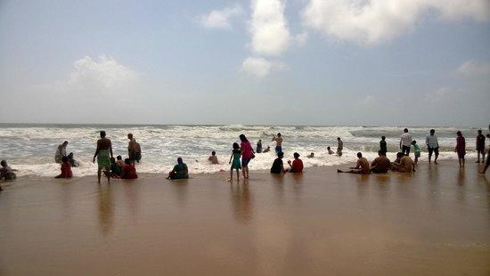 Calangute Beach: Tourist enjoying on beach
