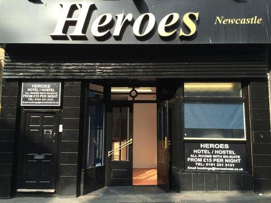 Heroes Hostel-Hotel