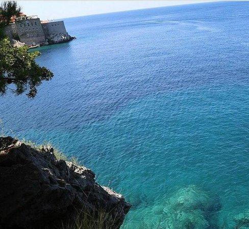 Hotel Adrovic: Beach Sveti Stefan