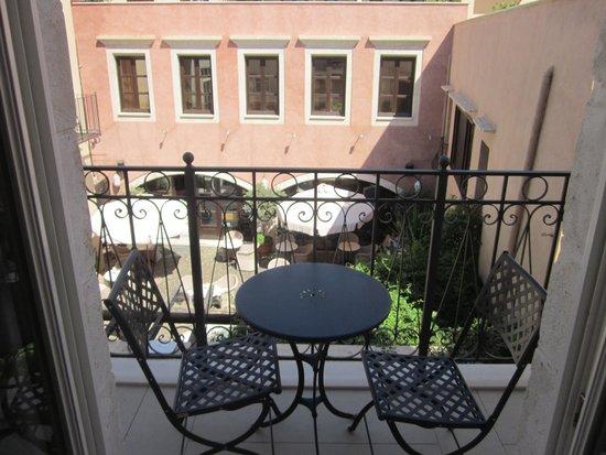 Rimondi Boutique Hotel: View of the Juliet balcony