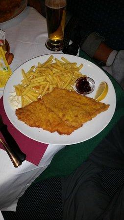 Residence Wiesenhof: Restaurant - Wiener Schnitzel