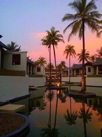 SENTIDO Graceland Khao Lak Resort & Spa: En soirée