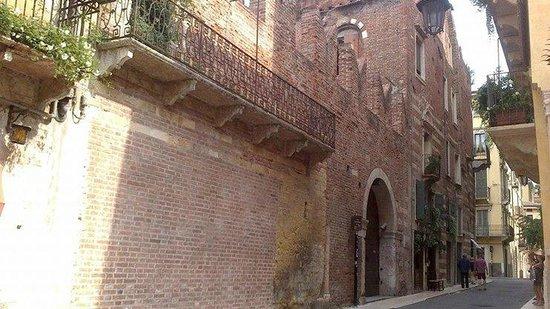 Romeo's House (Casa di Romeo): Facciata