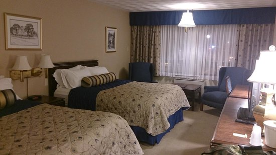 Fredericton Inn : This is the updated Deluxe room