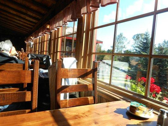 Rotisserie Au Petit Poucet : Terrasse