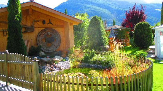 Residence Obermuhle Zu Schanzen: particolare del giardino