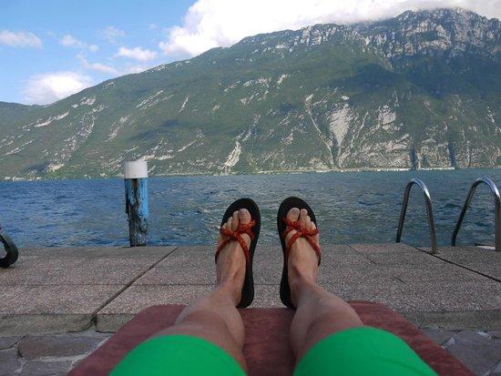 Hotel Capo Reamol: Entspannen mit wunderschöner Aussicht auf den See und die umliegenden Berge