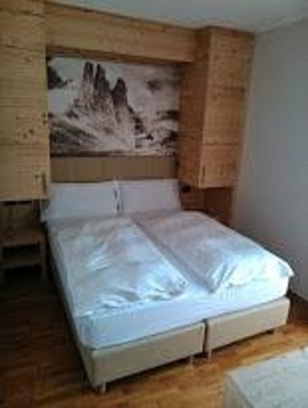 Family Hotel Gran Baita: camera comunicante 222 - mobile un poco pericoloso per gli spigoli