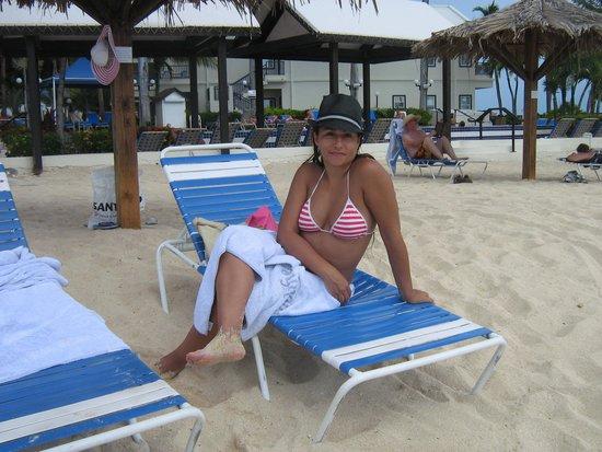 Royal Palm Beach Resort: En las reposeras del hotel