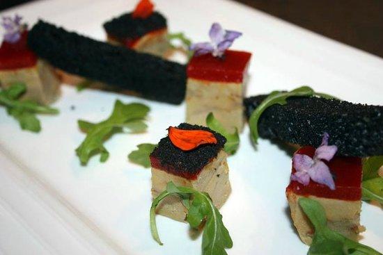 Le SEn'S : Foie gras des Landes mariné au piment d'Espelette et au Patxaran, marbré d'une confiture aux piq