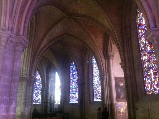 Cathedrale St-Etienne: Vitraux