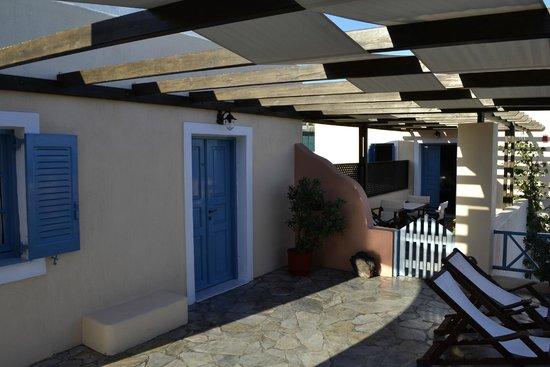 Anemoessa Villa : Outside of building