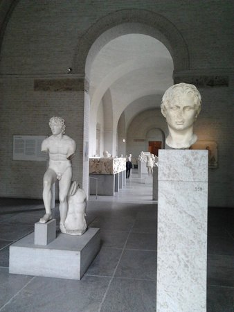 Glyptothek: Зал Александра Великого