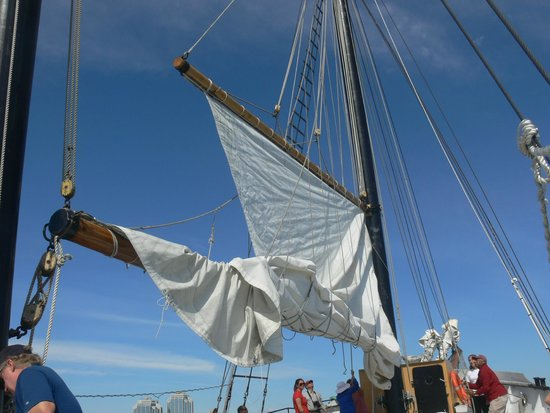 Tall Ship Silva Inc: Raising the sails
