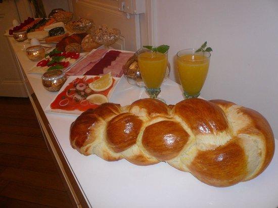 Beauvilla Bern B&B: Breakfast Buffet