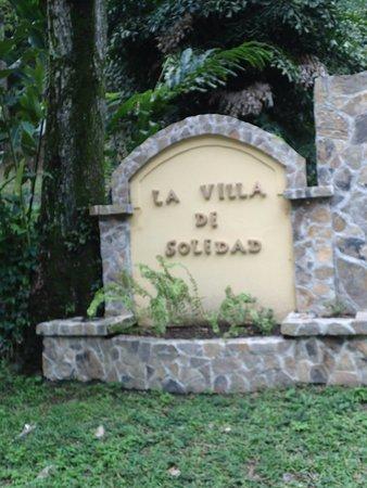 La Villa de Soledad B&B: Entrance