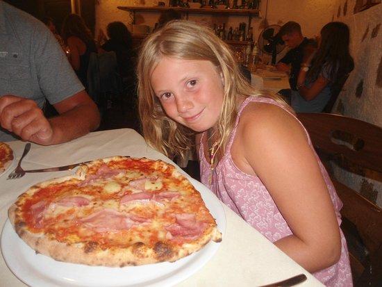 CuCumiao : Heart Shape Pizza