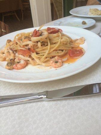 Ristorante Pizzeria Tasso: Spaghetti with seafood