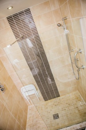 Park House Hotel: Shower