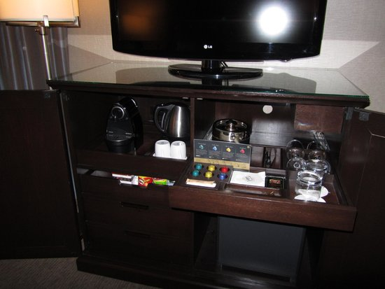 The Fairmont Palliser: Gold floor room amenities
