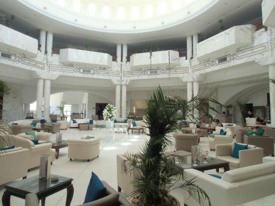 Djerba Plaza Hotel & Spa: Hall de l'hôtel où le wifi est gratuit