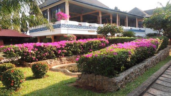 Beachcomber Hotel and Resort: Restaurant