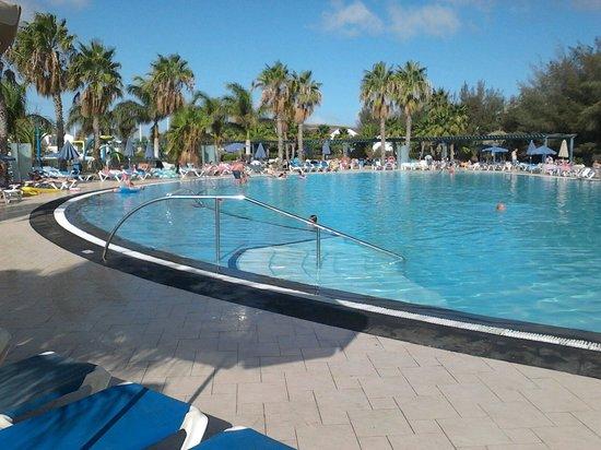 THB Tropical Island : Big pool